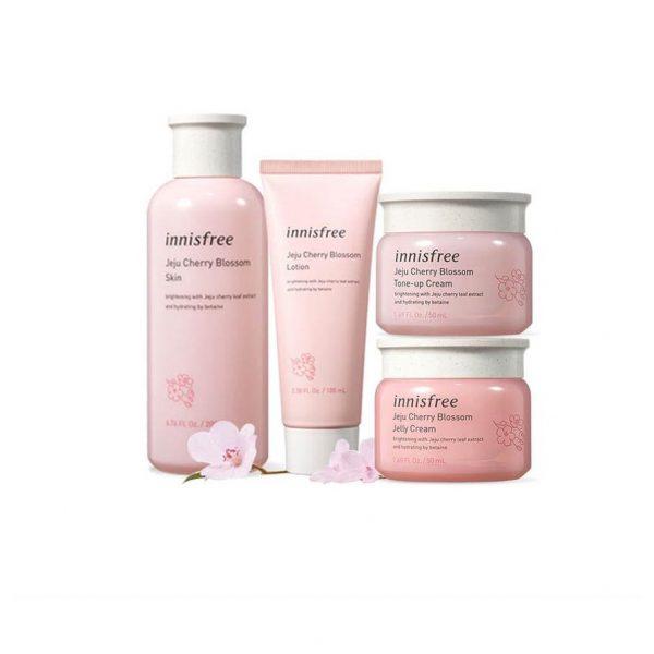 Bộ sản phẩm Innisfree Jeju Cherry Blossom 4in1 dưỡng ẩm và nâng tông sáng da